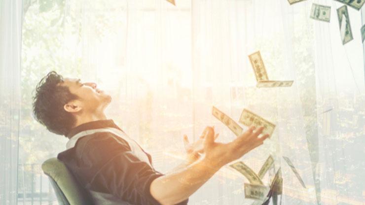お金を投げる人