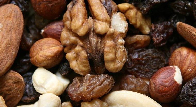 勉強に集中できるおすすめの食べ物③ナッツ類