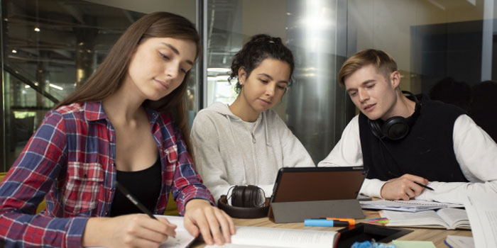 大学生のイメージ
