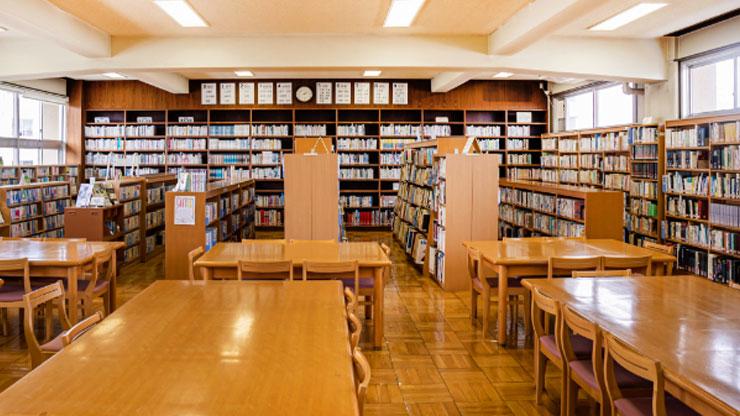 中野工業高校の図書室